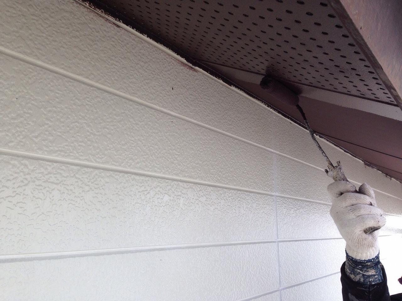 軒天ケンエースで塗装