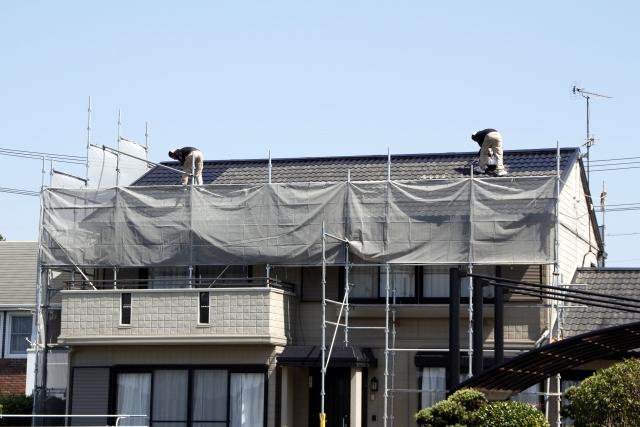 屋根の足場