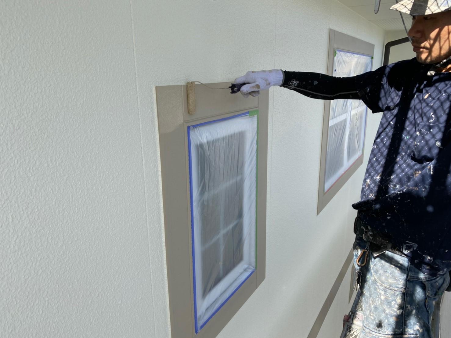 U邸窓枠塗装1