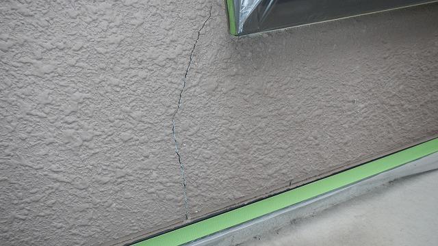 モルタル外壁のひび割れ箇所2