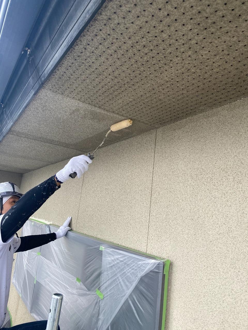 福岡市東区戸建ての付帯部塗装の様子をご紹介します