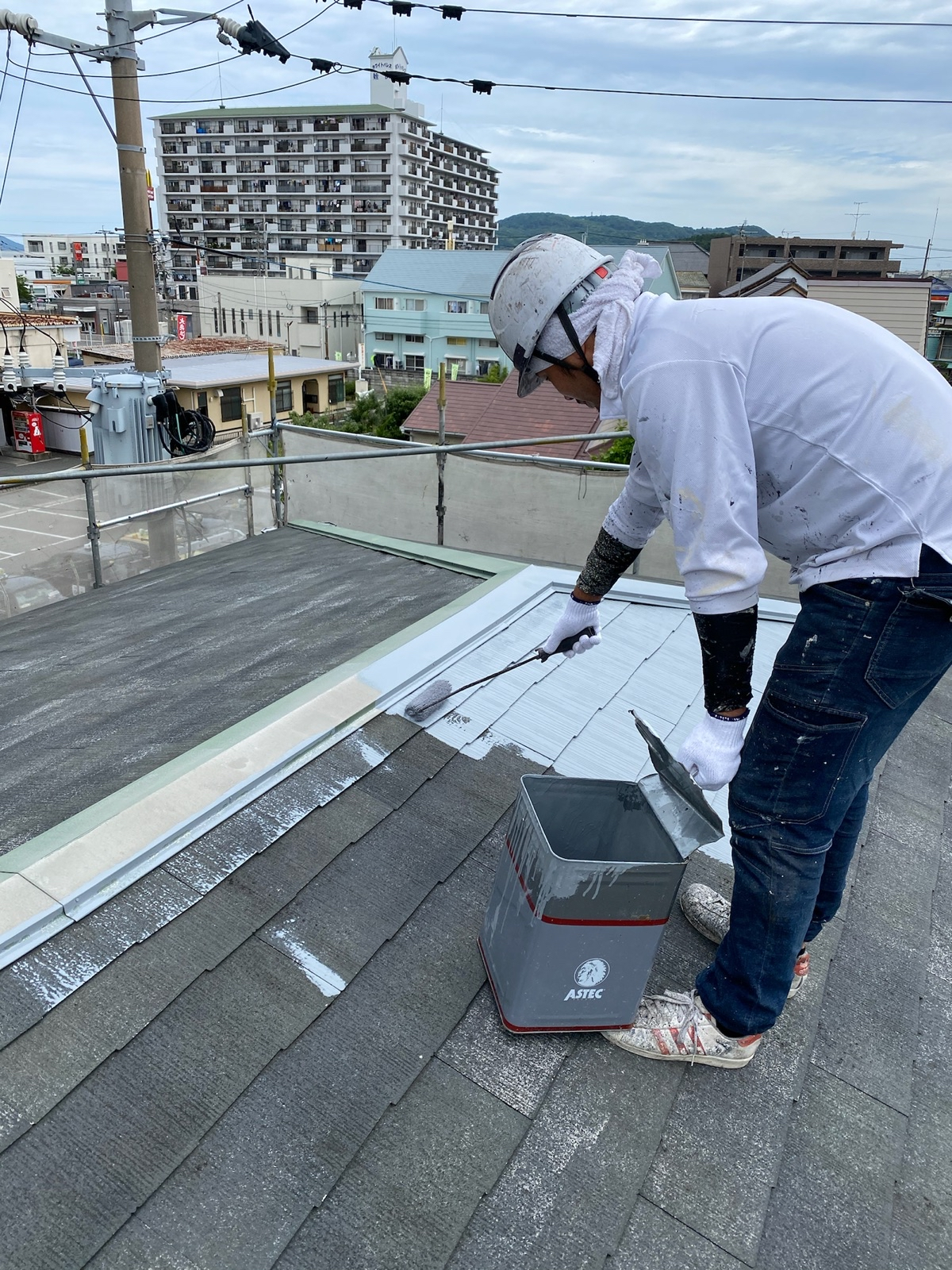 福岡市西区アパート 屋根塗り替えの施工様子をご紹介