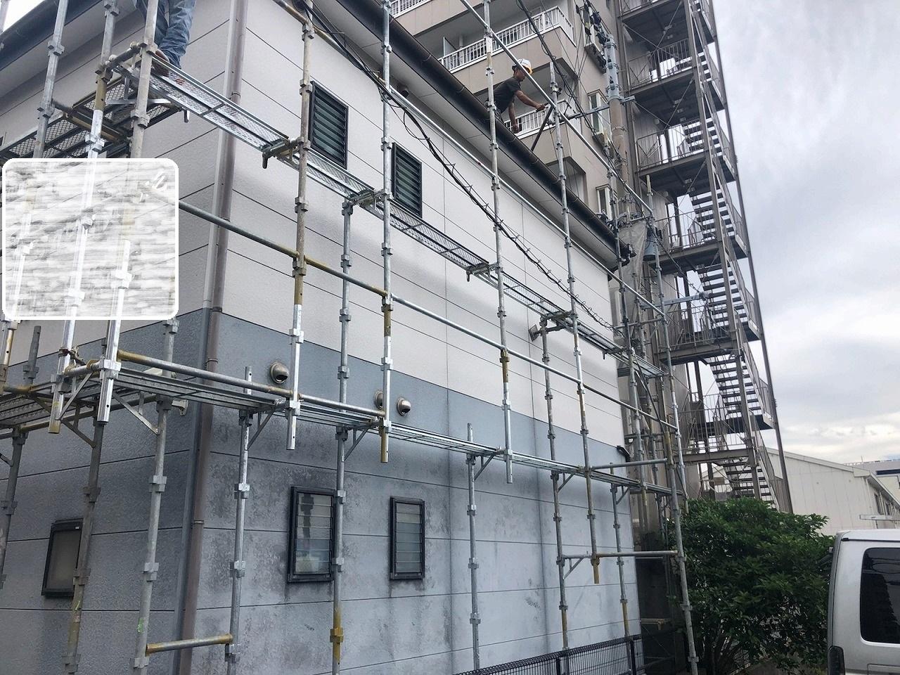 福岡市西区賃貸物件の足場を組んでいきます。
