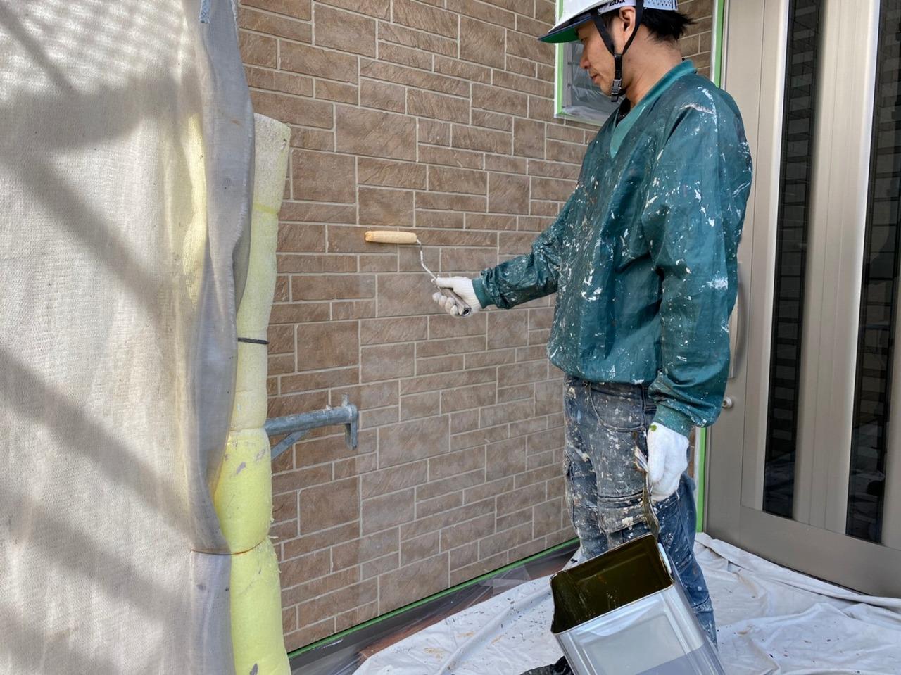 K様邸下塗り作業3