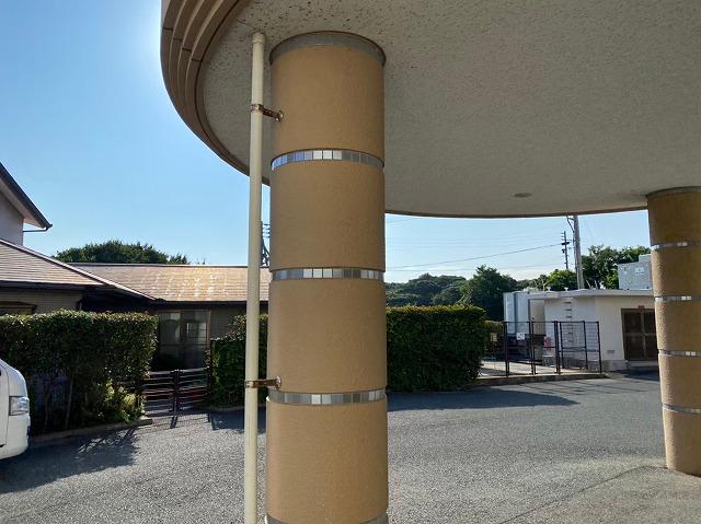 若松区施設柱塗装前